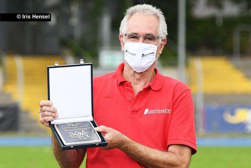 DLV-Ehrenschild für Gerhard Müller