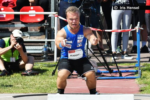 Niko Kappel stößt (noch inoffiziellen) Weltrekord