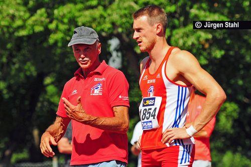 Felix Hepperle mit seinem Vater und Coach Roland Hepperle, früher selbst ein erfolgreicher 7.000 Punkte-Zehnkämpfer