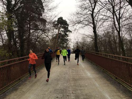 Kaderläufer trainieren in Karlsruhe