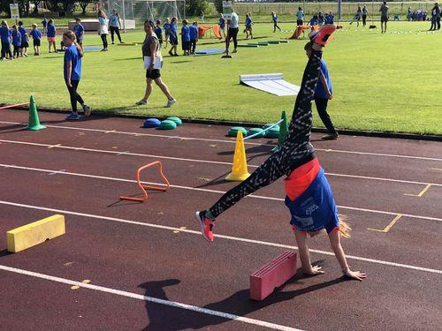 300 Kinder strahlen bei WLV Kinderleicht-Athletik in Winterlingen mit der Sonne um die Wette
