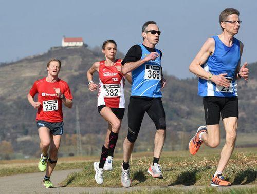Nicole Möbius und Lorenz Baum gewinnen den 15. Kiebinger Osterlauf
